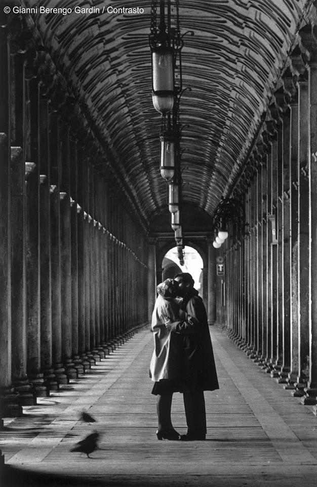 foto 4) G. Berengo Gardin, Venezia, Piazza San Marco, 1959 © 2014 Gianni Berengo Gardin/Contrasto