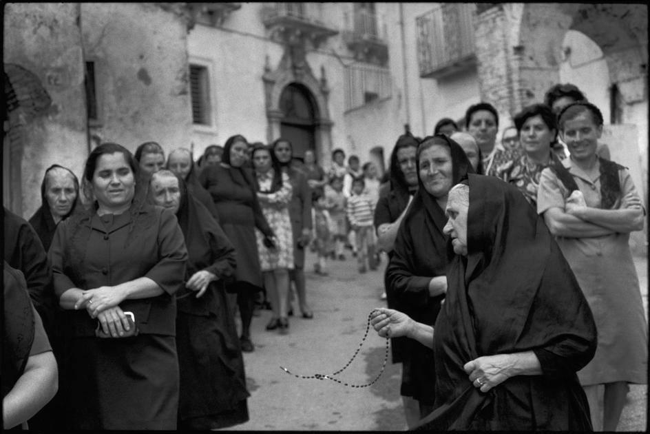 10) Henri Cartier-Bresson, ITALY. Basilicata. Grassano. 1973. Pilgrimage to St Innocent