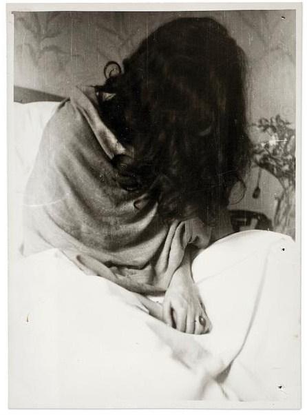Nickolas Muray, Frida in un ospedale a New York, 1946 (©Frida Kahlo Museum)