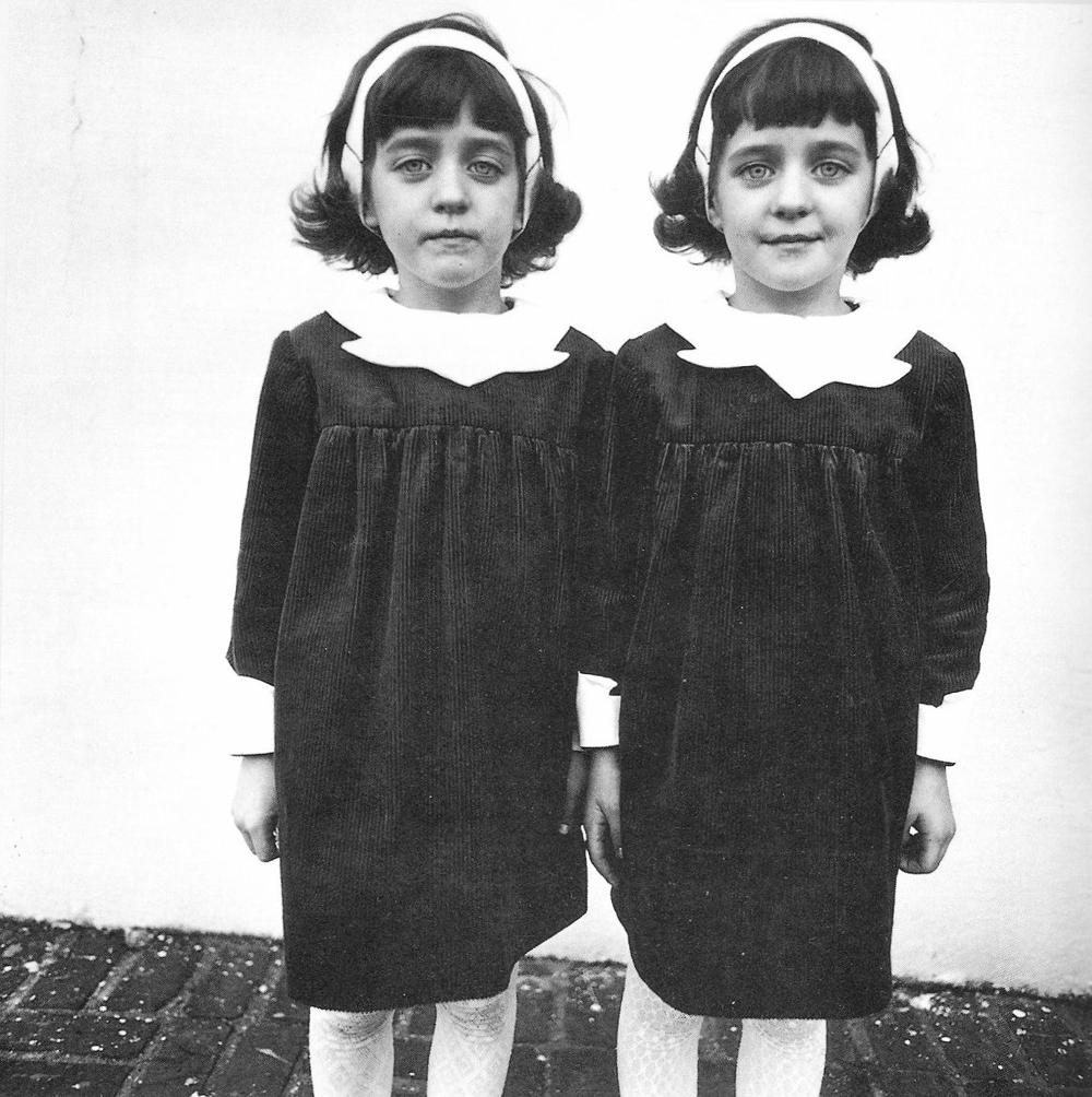 5) Diane Arbus, Gemelle Identiche, 1966