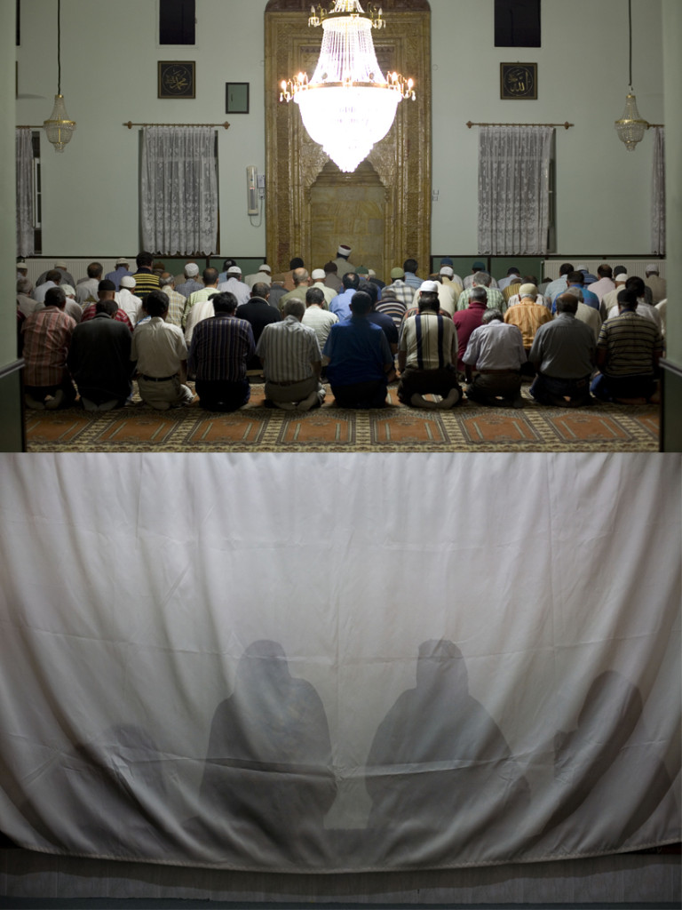 Preghiera nella moschea di Goreme, 2014