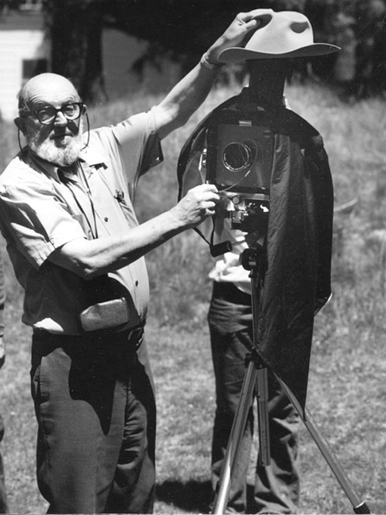 5) Ansel Adams e la sua Arca Swiss camera