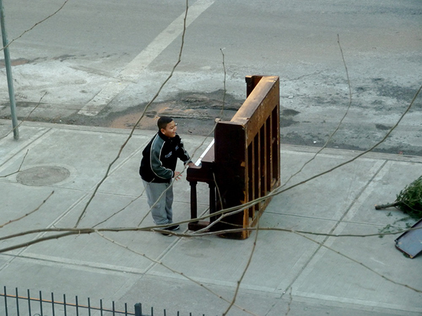 "Immagine tratta da ""Solo, Piano-NYC"" di Anthony Sharing"