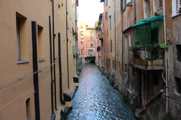 """Bologna la """"piccola Venezia"""", Via Piella. Foto di Luciana Travierso"""