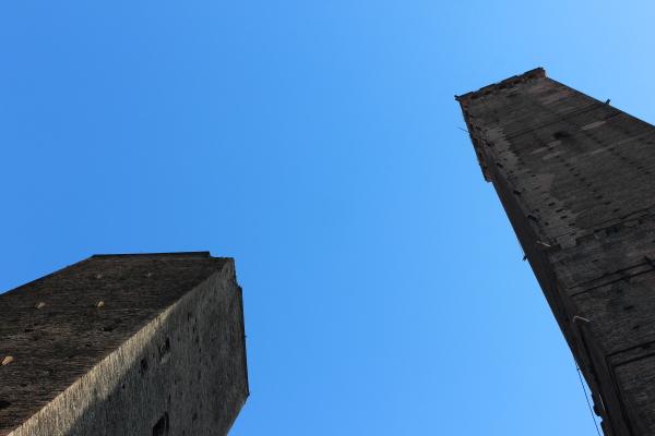 Torre degli Asinelli e Garisenda. Foto di Luciana Travierso