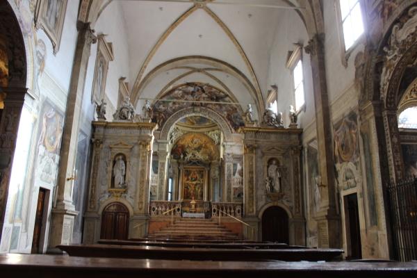 Interno della chiesa del Complesso Monumentale di San Michele in Bosco. Foto di Luciana Travierso
