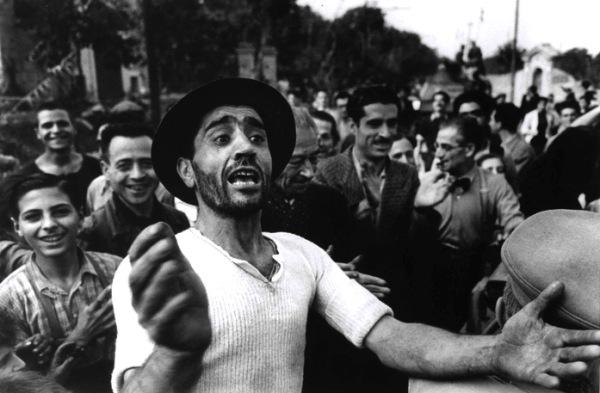 Robert Capa, Il Benvenuto alle truppe americane a Monreale, 23 luglio 1943