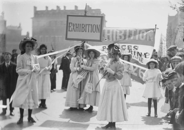 Christina Broom, Soldiers and Suffragettes, 1909