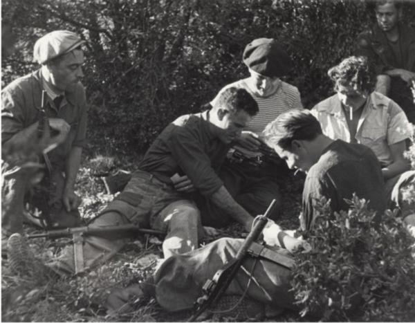 Julia Pirotte, Maquisards près de Venelles à Sainte-Victoire, 1944