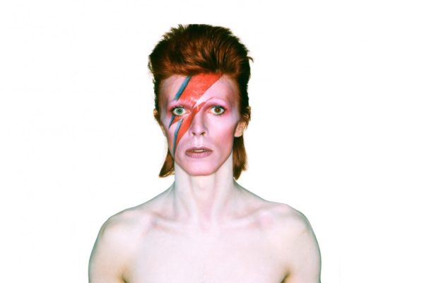 album_cover_shoot_for_aladdin_sane_1973_photograph_by_brian_duffy-1080x720