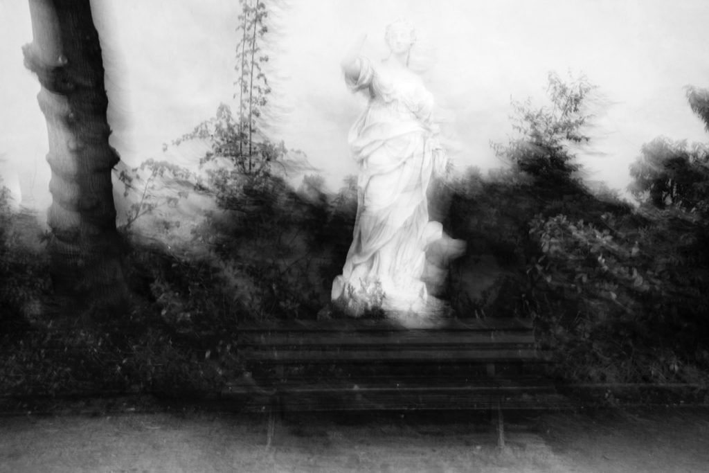 Città Invisibile, un omaggio a Italo Calvino, estratto dalla serie Fillide: © Francesco Acerbis