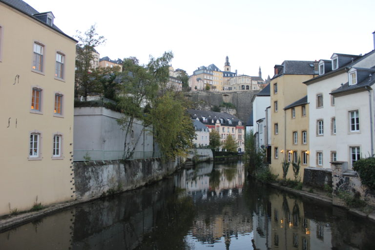 Quartiere Grund attraversato dal fiume Alzette
