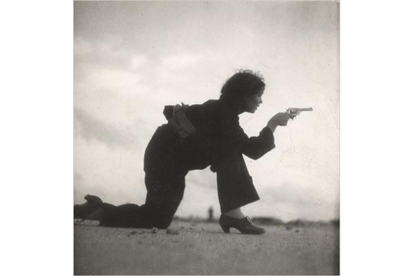 Miliziana repubblicana in addestramento, Barcellona, 1936