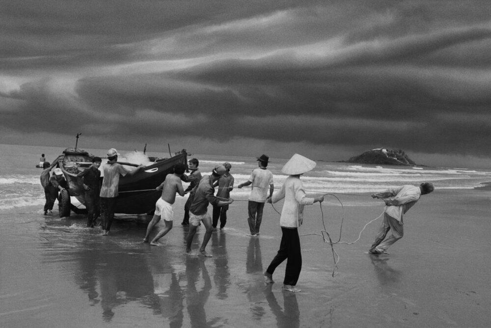 Exodus © Sebastião Salgado / Contrasto